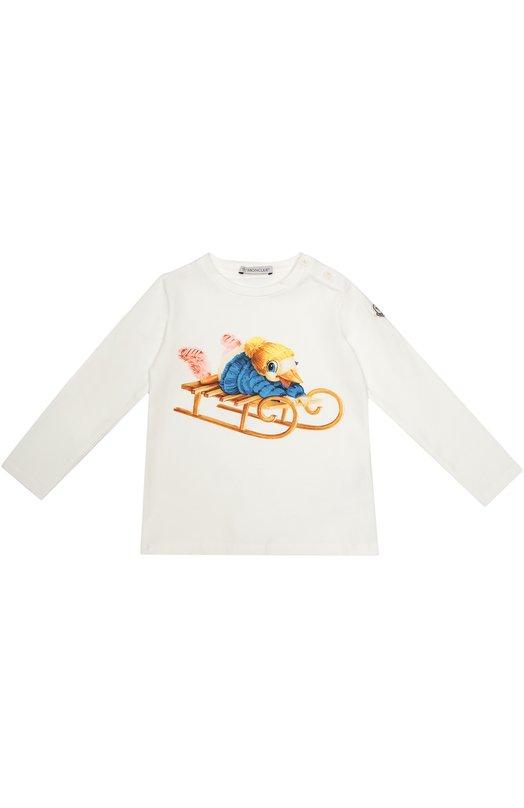 Футболка джерси с принтом Moncler EnfantОдежда<br>Для производства белой футболки с длинными рукавами дизайнеры бренда выбрали плотный гладкий хлопок с добавлением эластичных нитей. Модель с принтом вошла в коллекцию сезона осень-зима 2016 года. Изделие застегивается на две пуговицы на левом плече.<br><br>Размер Months: 18<br>Пол: Женский<br>Возраст: Для малышей<br>Размер производителя vendor: 80-90cm<br>Материал: Хлопок: 95%; Эластан: 5%;<br>Цвет: Белый
