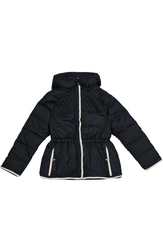 Стеганая куртка с контрастной отделкой Chlo?Верхняя одежда<br>Темно-синяя стеганая куртка со съемным капюшоном и вошла в коллекцию сезона осень-зима 2016 года. Модель сшита из мягкого матового нейлона. Боковые карманы с позолоченными пуговицами, длинные рукава, низ и планка, скрывающая молнию, отделаны белым кантом.<br><br>Размер Years: 12<br>Пол: Женский<br>Возраст: Детский<br>Размер производителя vendor: 146-152cm<br>Материал: Полиэстер: 100%;<br>Цвет: Синий
