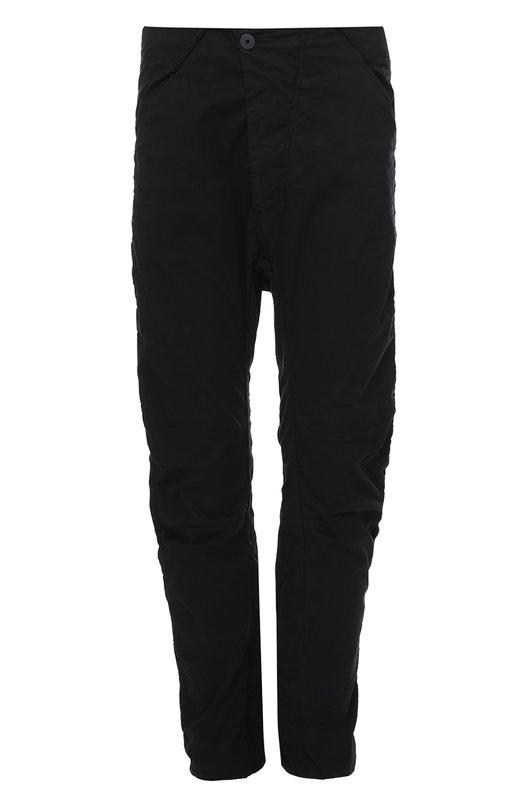 Хлопковые брюки с заниженной линией шага 11 by Boris Bidjan SaberiБрюки<br>Зауженные черные брюки с четырьмя врезными карманами вошли в коллекцию сезона осень-зима 2016 года. Модель с заниженной линией шага сшита из эластичного тонкого хлопка. Наши стилисты рекомендуют носить с лонгсливом, бомбером и ботинками в тон.<br><br>Российский размер RU: 48<br>Пол: Мужской<br>Возраст: Взрослый<br>Размер производителя vendor: M<br>Материал: Хлопок: 97%; Лайкра: 3%;<br>Цвет: Черный