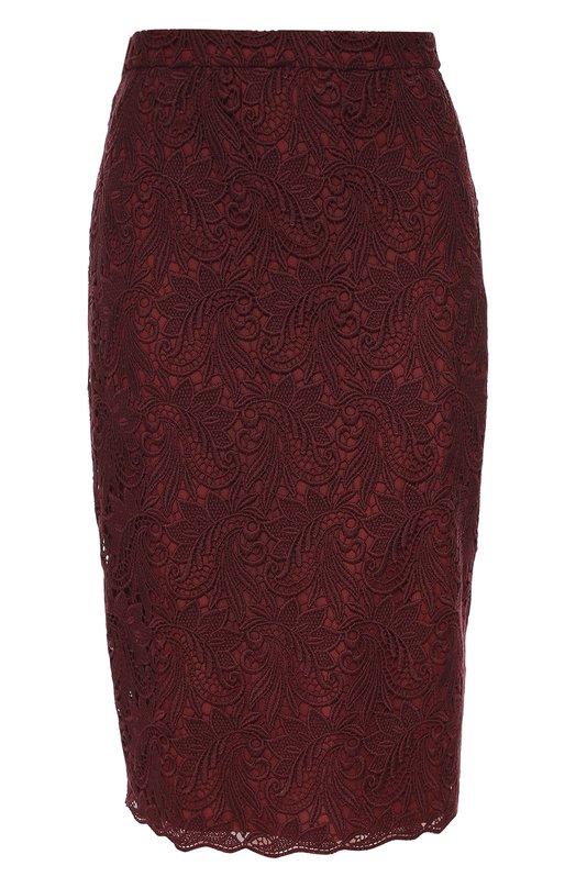 Кружевная юбка-карандаш EscadaЮбки<br>Бордовая юбка-карандаш из ажурного плотного кружева дополнена мягкой подкладкой в тон. Модель, застегивающаяся сзади на потайную молнию, вошла в коллекцию сезона осень-зима 2016 года. Нам нравится сочетать с жакетом в тон, белой блузой, а также туфлями и сумкой черного цвета.<br><br>Российский размер RU: 44<br>Пол: Женский<br>Возраст: Взрослый<br>Размер производителя vendor: 36<br>Материал: Хлопок: 85%; Полиэстер: 15%; Отделка-полиамид: 100%; Подкладка-шелк: 100%;<br>Цвет: Бордовый