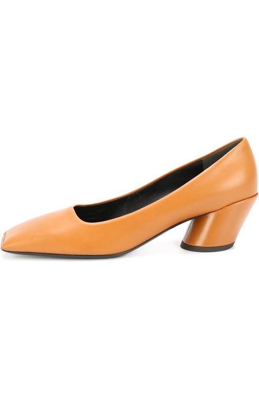 Кожаные туфли Quadro на геометричном каблуке BalenciagaТуфли<br>Для создания туфель Quadro на скошенном устойчивом каблуке средней высоты мастера бренда использовали матовую гладкую кожу цвета карамели. Модель вошла в осенне-зимнюю коллекцию марки, основанной Кристобалем Баленсиагой.<br><br>Российский размер RU: 37<br>Пол: Женский<br>Возраст: Взрослый<br>Размер производителя vendor: 37<br>Материал: Кожа натуральная: 100%; Стелька-кожа: 100%; Подошва-кожа: 100%;<br>Цвет: Коричневый
