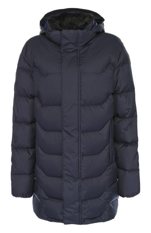 Удлиненный стеганый пуховик с капюшоном Z ZegnaКуртки<br>Темно-синий стеганый пуховик из матового непромокаемого нейлона вошел в осенне-зимнюю коллекцию 2016 года. Удлиненная куртка с двумя боковыми карманами и съемным капюшоном застегивается на потайную молнию и кнопки. Воротник отделан мехом с внутренней стороны.<br><br>Российский размер RU: 54<br>Пол: Мужской<br>Возраст: Взрослый<br>Размер производителя vendor: XXL<br>Материал: Пух гусиный: 90%; Отделка-акрил: 69%; Отделка-полиэстер: 31%; Полиэстер: 100%; Подкладка-полиэстер: 100%; Перо гусиное: 10%;<br>Цвет: Темно-синий