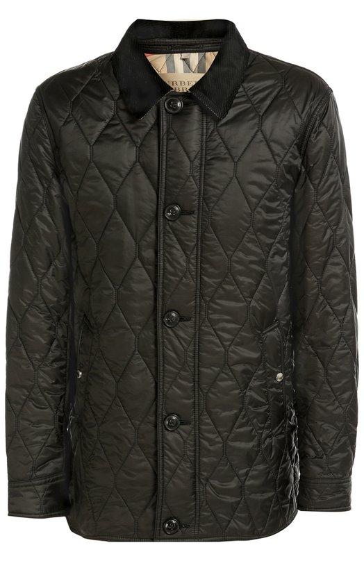 Стеганая куртка с отделкой из натуральной кожи Burberry BritКуртки<br>Стеганная куртка из прочного нейлона вошла в осенне-зимнюю коллекцию 2016 года. Модель застегивается на молнию, скрытую клапаном на пуговицах, боковые карманы, манжеты длинных рукавов и шлицы – на кнопки. Изделие дополнено отложным воротником из плотного вельвета и патчами на локтях из мягкой кожи.<br><br>Российский размер RU: 48<br>Пол: Мужской<br>Возраст: Взрослый<br>Размер производителя vendor: M<br>Материал: Подкладка-хлопок: 60%; Подкладка-полиэстер: 40%; Отделка кожа натуральная: 100%; Отделка-хлопок: 100%; Полиэстер: 100%;<br>Цвет: Черный