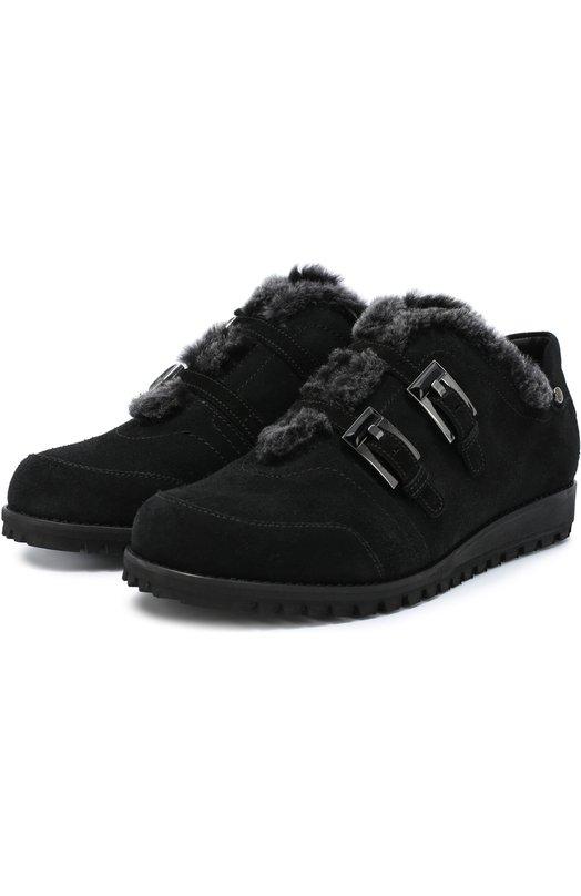 Замшевые ботинки с внутренней отделкой из меха Stuart WeitzmanБотинки<br>Для создания ботинок Стюарт Вайцман выбрал мягкую бархатистую замшу черного цвета. Утепленная овчиной модель из коллекции сезона осень-зима 2016 года застегивается на два узких ремешка с металлическими пряжками. Обувь дополнена подошвой с протектором.<br><br>Российский размер RU: 41<br>Пол: Женский<br>Возраст: Взрослый<br>Размер производителя vendor: 41<br>Материал: Подошва-резина: 100%; Замша натуральная: 100%; Стелька-овчина: 100%;<br>Цвет: Черный