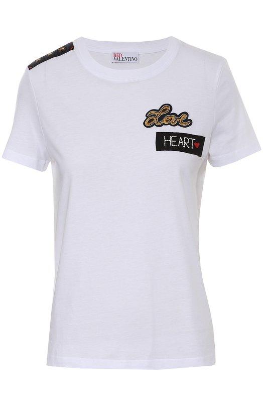 Хлопковая футболка с контрастными нашивками REDVALENTINOФутболки<br>Белая футболка с короткими рукавами и круглым вырезом вошла в осенне-зимнюю коллекцию марки, основанной Валентино Гаравани. Модель из приятного на ощупь, тонкого хлопкового джерси украшена спереди контрастными аппликациями. На правом плече расположена нашивка-погон.<br><br>Российский размер RU: 40<br>Пол: Женский<br>Возраст: Взрослый<br>Размер производителя vendor: XS<br>Материал: Хлопок: 100%; Отделка-полиэстер: 100%;<br>Цвет: Белый