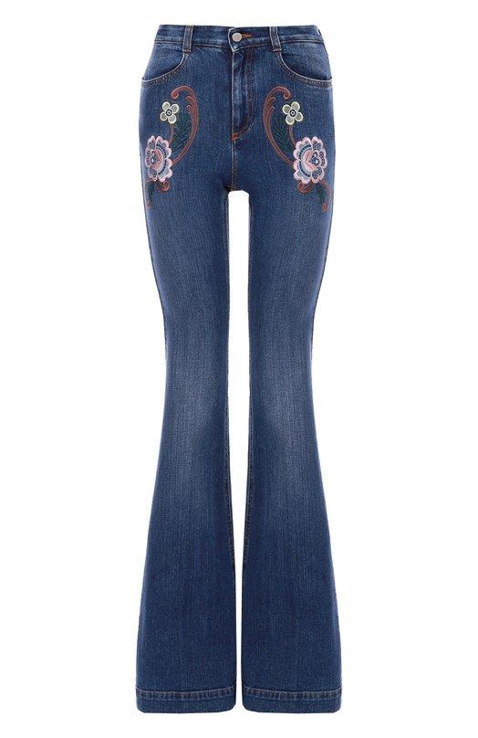 Расклешенные джинсы с контрастной вышивкой Stella McCartneyДжинсы<br>Яркая цветочная вышивка украшает расклешенные джинсы из коллекции сезона осень-зима 2016 года. Стелла Маккартни выбрала для создания модели с высокой посадкой сертифицированный органический хлопок с добавлением эластичных волокон. Советуем носить с белой блузой и коричневыми туфлями.<br><br>Российский размер RU: 48<br>Пол: Женский<br>Возраст: Взрослый<br>Размер производителя vendor: 29<br>Материал: Хлопок: 98%; Эластан: 2%; Отделка-полиэстер: 100%;<br>Цвет: Синий