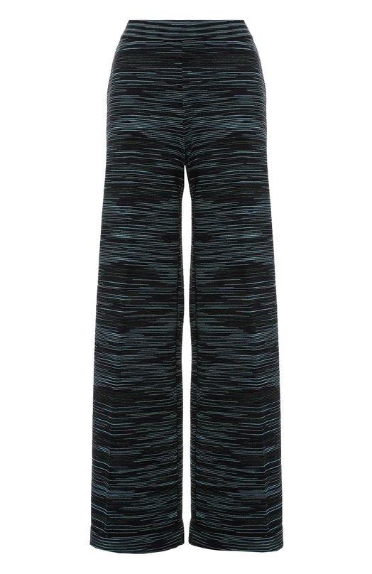 Вязаные широкие брюки в полоску M MissoniБрюки<br>Для создания брюк прямого кроя использована мягкая полушерстяная пряжа. Модель в зеленую полоску, выполненную в технике интарсии, вошла в осенне-зимнюю коллекцию марки, основанной Оттавио и Роситой Миссони. Попробуйте носить с жакетом такой же вязки, сумкой в тон, а также черными свитером и обувью.<br><br>Российский размер RU: 40<br>Пол: Женский<br>Возраст: Взрослый<br>Размер производителя vendor: 38<br>Материал: Полиамид: 38%; Шерсть: 32%; Вискоза: 30%;<br>Цвет: Зеленый