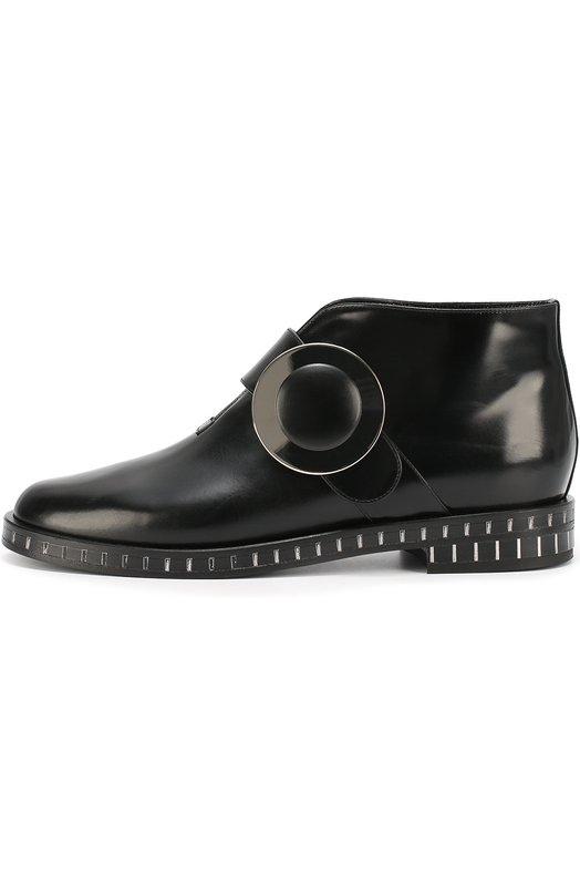 Кожаные ботинки с круглой пряжкой Giorgio ArmaniБотинки<br>Мастера бренда, основанного Джорджио Армани, сшили черные ботинки из гладкой матовой кожи. Модель застегивается сбоку на широкий ремень с круглой пряжкой, скрывающей магнитную кнопку. Небольшой широкий каблук и рант декорированы вертикальными полосами.<br><br>Российский размер RU: 40<br>Пол: Женский<br>Возраст: Взрослый<br>Размер производителя vendor: 40-5<br>Материал: Кожа натуральная: 100%; Стелька-кожа: 100%; Подошва-кожа: 100%; Подошва-резина: 100%;<br>Цвет: Черный