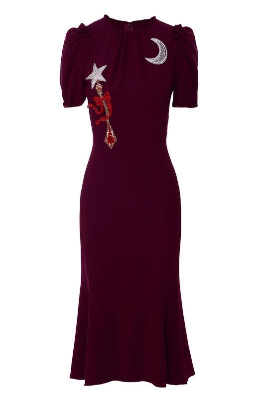 Приталенное платье с коротким рукавом и яркой вышивкой Dolce &amp; GabbanaПлатья<br>На создание платья из осенне-зимней коллекции 2016 года Доменико Дольче и Стефано Габбана вдохновили сказки о принцессах. Поэтому модель украшена аппликациями в виде луны и скипетра, расшитых кристаллами. Короткие рукава-фонарик присборены снизу на резинку. Изделие сшито из мягкой вискозы.<br><br>Российский размер RU: 40<br>Пол: Женский<br>Возраст: Взрослый<br>Размер производителя vendor: 38<br>Материал: Вискоза: 51%; Отделка-кристаллы: 50%; Отделка-шелк: 5%; Отделка-полиэстер: 5%; Ацетат: 46%; Эластан: 3%; Отделка-медь: 20%; Отделка-стекло:<br>Цвет: Фиолетовый