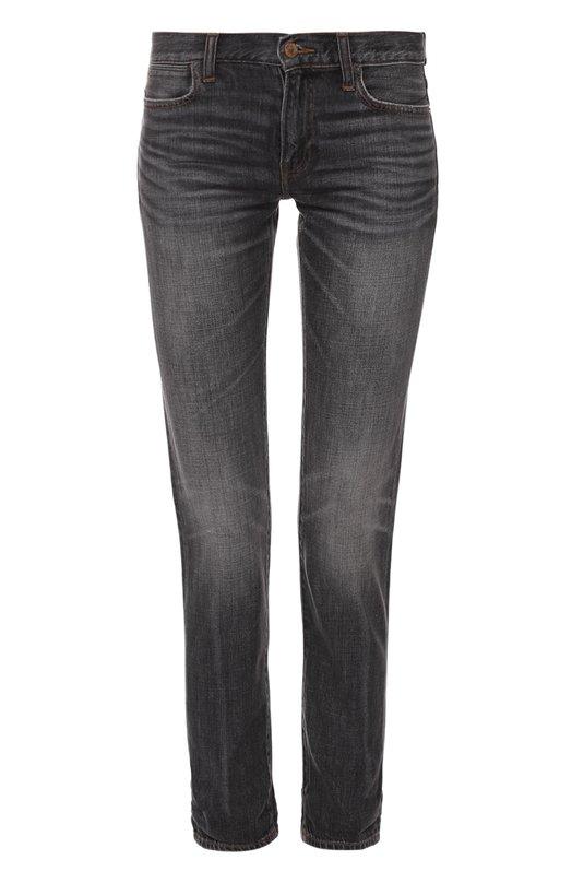 Джинсы прямого кроя с декоративными потертостями Polo Ralph LaurenДжинсы<br>Ральф Лорен включил джинсы Astor в осенне-зимнюю коллекцию 2016 года. Для изготовления укороченной модели прямого кроя использован плотный серый хлопок с потертостями и заломами. Рекомендуем носить с красными свитером и сумкой, а также с черными ботинками.<br><br>Российский размер RU: 44<br>Пол: Женский<br>Возраст: Взрослый<br>Размер производителя vendor: 28<br>Материал: Хлопок: 82%; Вискоза: 18%;<br>Цвет: Серый