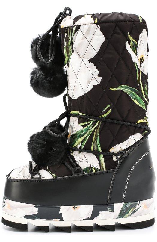 Сапоги-луноходы Cortina с принтом и помпонами Dolce &amp; GabbanaСапоги<br>Доменико Дольче и Стефано Габбана включили в осенне-зимнюю коллекцию 2016 года луноходы Cortina. Сапоги сшиты из стеганого текстиля с принтом в виде тюльпанов. Этот же рисунок изображен на платформе с глубоким протектором. Мыс и задник отделаны гладким материалом.<br><br>Российский размер RU: 36<br>Пол: Женский<br>Возраст: Взрослый<br>Размер производителя vendor: 36<br>Материал: Полиэстер: 60%; Мех/кролик/: 5%; Вискоза: 35%; Подошва-резина: 100%; Стелька-текстиль: 100%;<br>Цвет: Белый