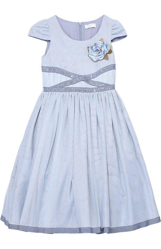 Приталенное платье с коротким рукавом и брошью MonnalisaПлатья<br><br><br>Размер Years: 12<br>Пол: Женский<br>Возраст: Детский<br>Размер производителя vendor: 146-152cm<br>Материал: Полиамид: 100%; Подкладка-хлопок: 100%;<br>Цвет: Голубой