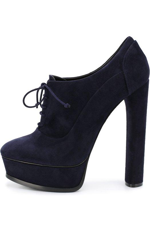 Замшевые ботильоны на высоком каблуке и платформе CasadeiБотильоны<br>В осенне-зимнюю коллекцию марки, основанной супругами Касадей, вошли темно-синие туфли из мягкой и прочной замши. Этим же материалом обтянуты платформа и высокий устойчивый каблук. Модель фиксируется на подъеме шнуровкой.<br><br>Российский размер RU: 40<br>Пол: Женский<br>Возраст: Взрослый<br>Размер производителя vendor: 40<br>Материал: Стелька-кожа: 100%; Подошва-кожа: 100%; Замша натуральная: 100%;<br>Цвет: Темно-синий