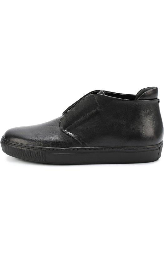 Полуботинки из мягкой кожи Giorgio ArmaniБотинки<br>Черные полуботинки на шнуровке вошли в осенне-зимнюю коллекцию 2016 года. Джорджио Армани выбрал для пошива модели мягкую гладкую кожу с матовым блеском. Обувь с высоким задником дополнена плоской широкой подошвой.<br><br>Российский размер RU: 40<br>Пол: Мужской<br>Возраст: Взрослый<br>Размер производителя vendor: 6<br>Материал: Кожа натуральная: 100%; Стелька-кожа: 100%; Подошва-резина: 100%;<br>Цвет: Черный