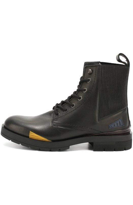 Кожаные ботинки с цветными вставками KenzoБотинки<br>Мастера марки, основанной Кензо Такада, сшили черные ботинки из гладкой матовой кожи. Модель из коллекции сезона осень-зима 2016 года дополнена гофрированной вставкой на голенище. Обувь декорирована пластиковыми нашивками желтого и голубого цветов.<br><br>Российский размер RU: 44<br>Пол: Мужской<br>Возраст: Взрослый<br>Размер производителя vendor: 44<br>Материал: Кожа натуральная: 100%; Стелька-кожа: 100%; Подошва-резина: 100%;<br>Цвет: Черный