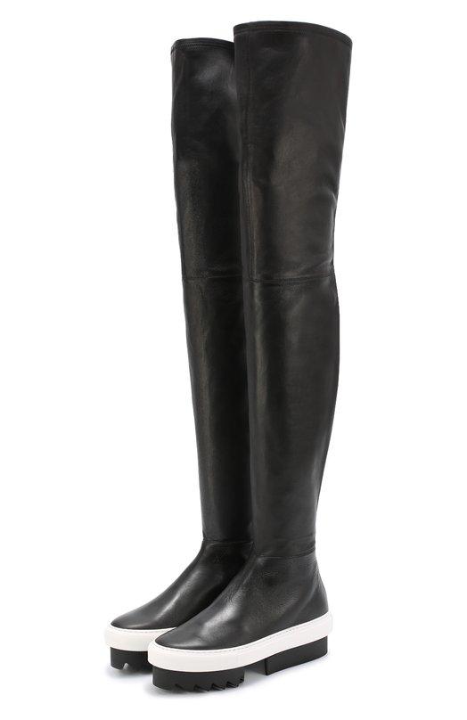 Кожаные ботфорты на платформе GivenchyСапоги<br>Мастера марки, основанной Юбером де Живанши, сшили ботфорты-чулки из гладкой мягкой кожи черного цвета. Модель из коллекции сезона осень-зима 2016 года застегивается на длинную молнию сзади. Белая подошва, как у слипонов, дополнена платформой с рифленым протектором и квадратным каблуком.<br><br>Российский размер RU: 38<br>Пол: Женский<br>Возраст: Взрослый<br>Размер производителя vendor: 38<br>Материал: Кожа натуральная: 100%; Стелька-кожа: 100%; Подошва-резина: 100%;<br>Цвет: Черный
