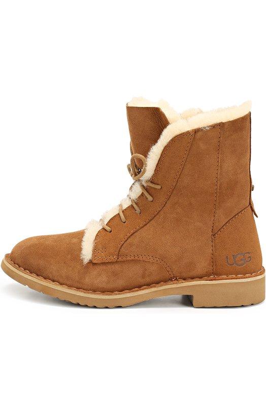 Замшевые ботинки на шнуровке UGG AustraliaБотинки<br>Для изготовления высоких светло-коричневых ботинок из осенне-зимней коллекции 2016 года мастера бренда использовали замшу с пропиткой, защищающей от грязи и влаги. Модель Quincy с круглым мысом, на невысоком устойчивом каблуке утеплена мягкой овчиной Twinface.<br><br>Российский размер RU: 37<br>Пол: Женский<br>Возраст: Взрослый<br>Размер производителя vendor: 37<br>Материал: Стелька-мех/овчина/: 100%; Подошва-резина: 100%; Замша натуральная: 100%;<br>Цвет: Бежевый