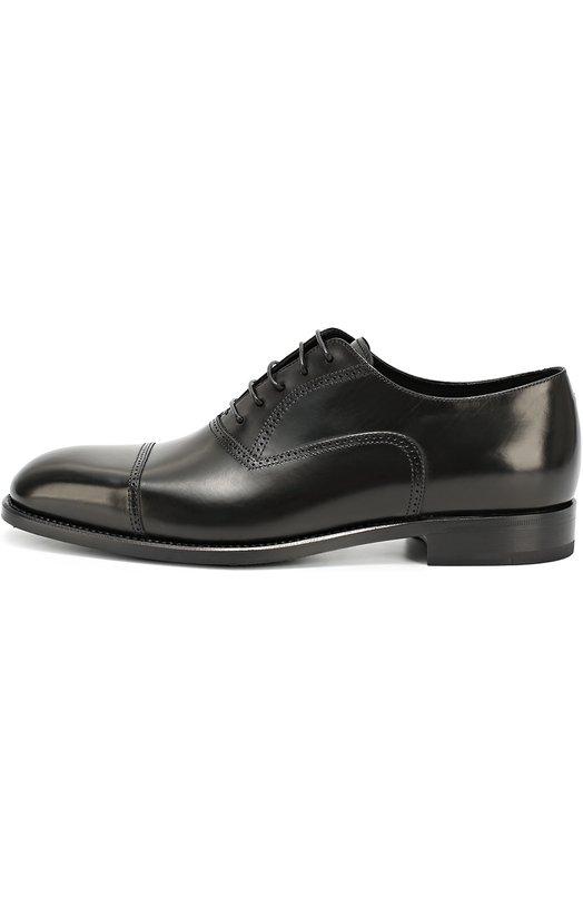 Кожаные оксфорды с брогированием Giorgio ArmaniТуфли<br>Мастера бренда сшили черные оксфорды вручную из гладкой полированной кожи. Модель на невысоком каблуке вошла в коллекцию сезона осень-зима 2016 года. Джорджио Армани дополнил обувь лазерной перфорацией, расположенной вдоль швов.<br><br>Российский размер RU: 39<br>Пол: Мужской<br>Возраст: Взрослый<br>Размер производителя vendor: 5<br>Материал: Кожа натуральная: 100%; Стелька-кожа: 100%; Подошва-кожа: 100%; Подошва-резина: 100%;<br>Цвет: Черный