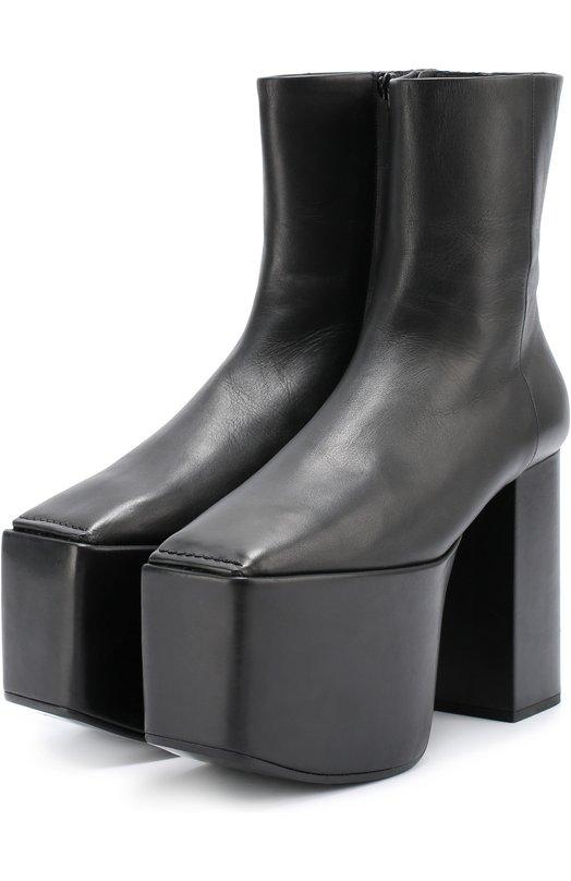 Кожаные ботильоны на устойчивом каблуке и платформе BalenciagaБотильоны<br><br><br>Российский размер RU: 39<br>Пол: Женский<br>Возраст: Взрослый<br>Размер производителя vendor: 39-5<br>Материал: Кожа натуральная: 100%; Стелька-кожа: 100%; Подошва-кожа: 100%;<br>Цвет: Черный
