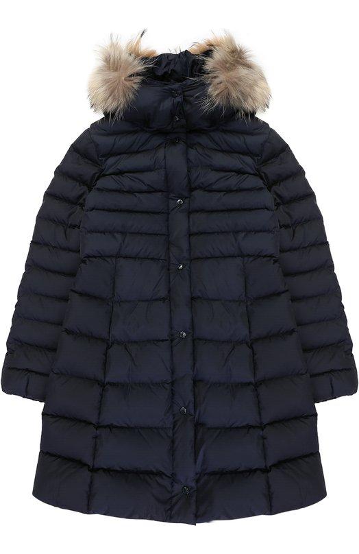 Купить Пуховое пальто с капюшоном и меховой отделкой Moncler Enfant, C2-954-49392-25-54155/12-14A, Молдова, Синий, Пух: 90%; Отделка мех./енот/: 100%; Полиамид: 100%; Подкладка-полиамид: 100%; Отделка мех нат.: 100%; Перо: 10%;