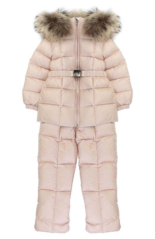 Купить Пуховый комплект из комбинезона и куртки с меховой отделкой Moncler Enfant, C2-951-70336-25-53048, Грузия, Светло-розовый, Пух: 90%; Полиамид: 100%; Подкладка-полиамид: 100%; Отделка мех нат.: 100%; Перо: 10%;
