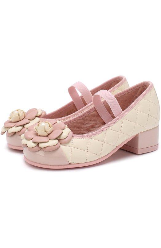 Купить Кожаные туфли с цветочной аппликацией и прострочкой Pretty Ballerinas, 44.095/9.033/IPN0TIC/C0T0N, Испания, Розовый, Кожа натуральная: 90%; Стелька-кожа: 100%; Подошва-резина: 100%; Текстиль: 10%;