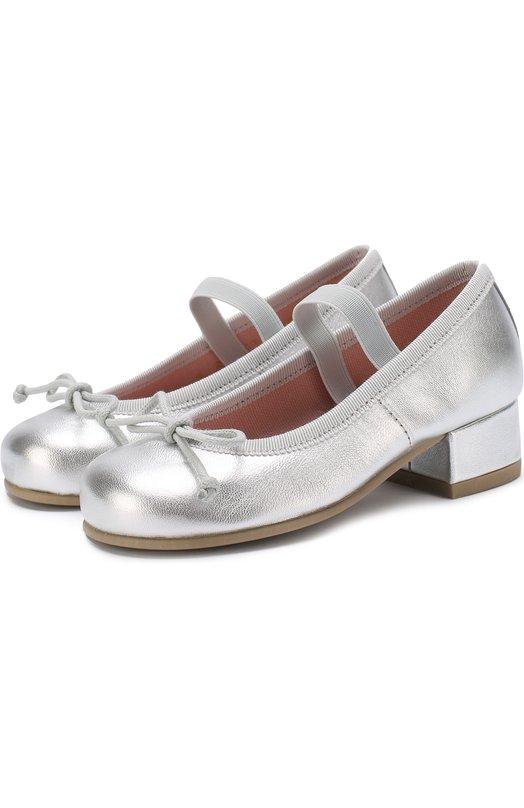 Купить Туфли из металлизированной кожи с бантами и перемычкой Pretty Ballerinas, 39.975/9.033/AMI, Испания, Серебряный, Кожа натуральная: 90%; Стелька-кожа: 100%; Подошва-резина: 100%; Текстиль: 10%;