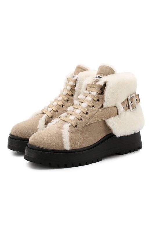 Купить Замшевые ботинки с внутренней отделкой из овчины Miu Miu, 5T294C/3AZB, Италия, Бежевый, Подошва-резина: 100%; Подкладка-мех натуральный: 100%; Кожа: 100%; Низ-мех/овчина/: 100%;