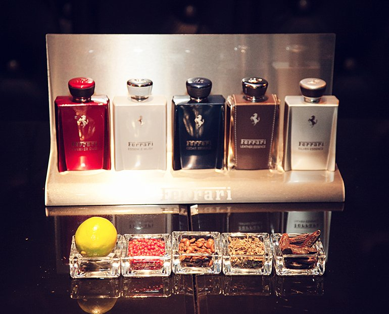 4_Ferrari-Essence-Collection_TSUM.jpg